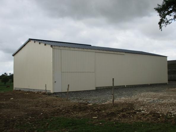 Votre hangar agricole par un spécialiste du batiment bois et du hangar en kit Le B u00e2timent Bois # Hangar Agricole En Bois