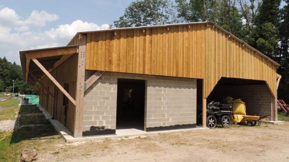 hangar bois pour chevaux