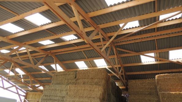 hangar bois stockage fourrage