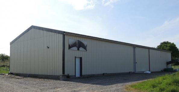 Hangar bois pour cidrerie bardage métal