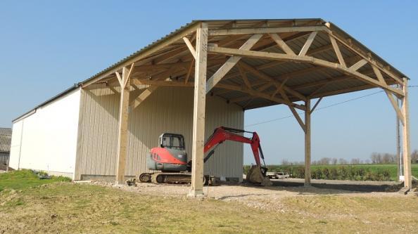votre hangar agricole par un sp cialiste du batiment bois et du hangar en kit le b timent bois. Black Bedroom Furniture Sets. Home Design Ideas